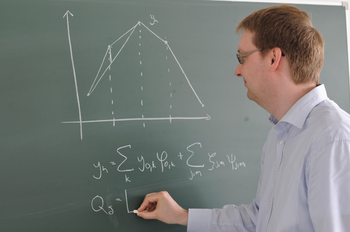 S. Götschel works on trajectory compression for finite element computations.